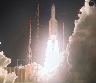 Tên lửa đẩy Ariane 5 đưa hai vệ tinh vào quỹ đạo