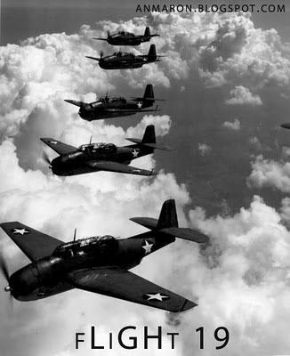 5 phi cơ ném ngư lôi Avenger thuộc Chuyến bay 19 của Hải quân Mỹ đã mất tích trong khi bay huấn luyện phía trên vùng Tam giác Bermuda.