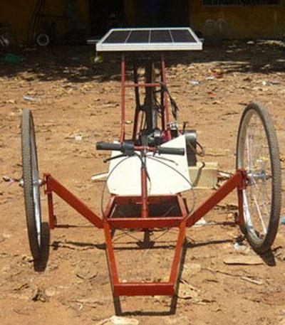 Việt Nam tổ chức đua xe năng lượng mặt trời