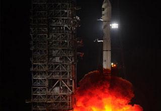 Trung Quốc phóng vệ tinh cho Pakistan