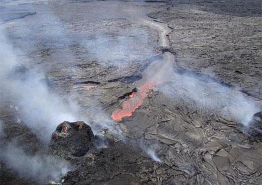 Hồ dung nham khổng lồ trên núi lửa Kilauea