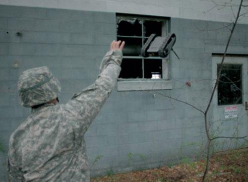 """Lựu đạn biết """"nhìn"""" và đuổi theo mục tiêu"""