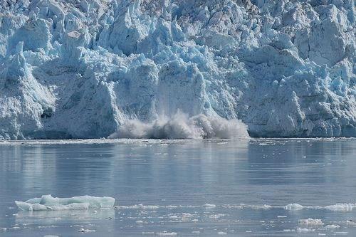 Sông băng ở Nam cực đang tan chảy với tốc độ nhanh chóng