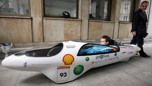 Ô tô chạy 659km chỉ cần 1 lít xăng