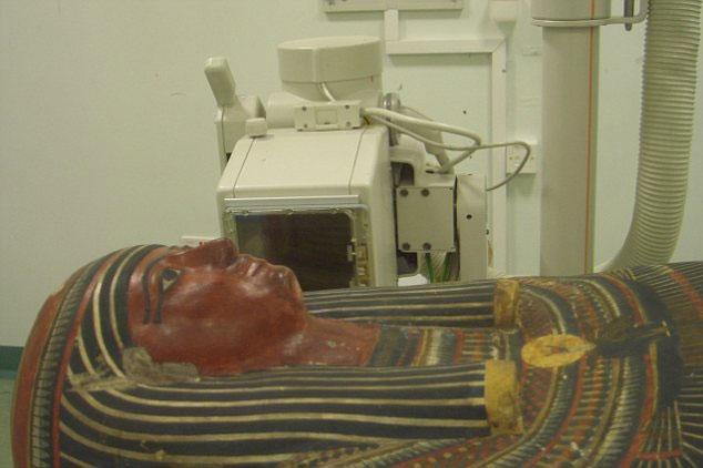 Xác ướp Ai Cập lộ diện qua máy quét CT