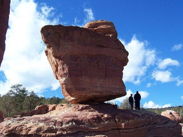 Tảng đá sa thạch khổng lồ