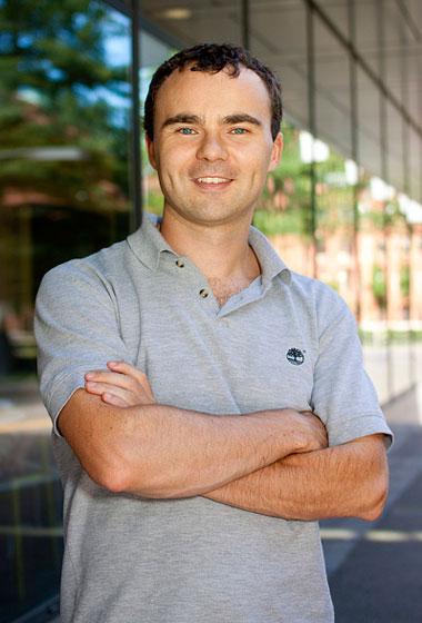 Cornor Walsh - Trưởng nhóm thiết kế tại Học viện Wyss.