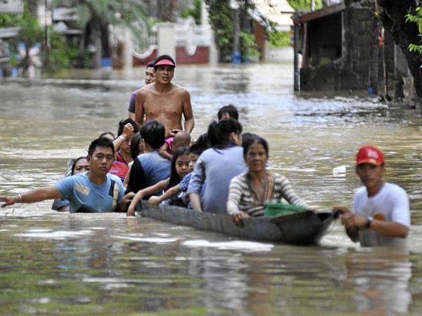 53 người Philippines chết vì bão Saola