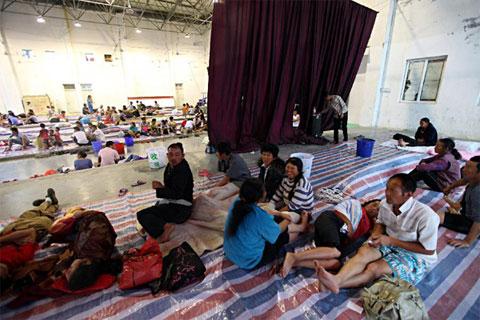 Trung Quốc sơ tán dân vì bão