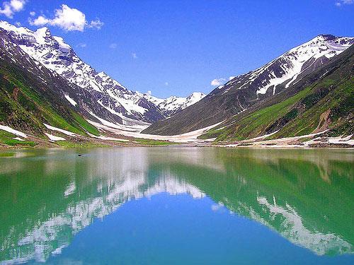 Hồ Nyos có chiều dài 2km, rộng 1,2km
