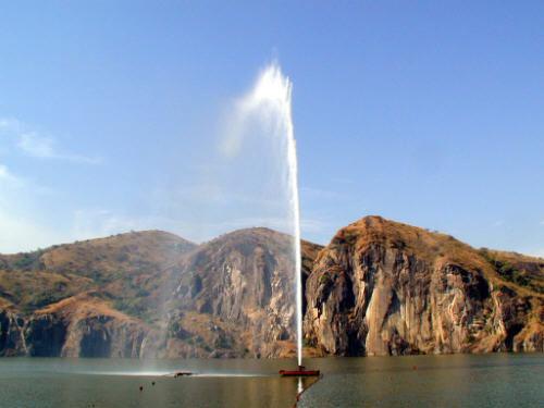 Nhưng nó cũng là 1 trong 3 hồ có lượng khí độc khổng lồ trên thế giới