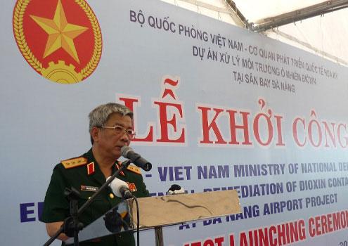 Bắt đầu tẩy độc dioxin ở sân bay Đà Nẵng