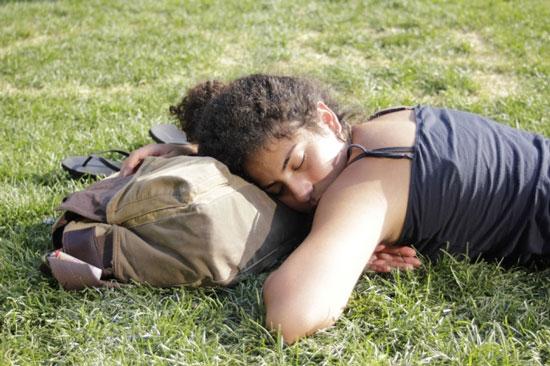 Bạn có biết: Ngủ sấp mơ đến tình dục nhiều hơn?
