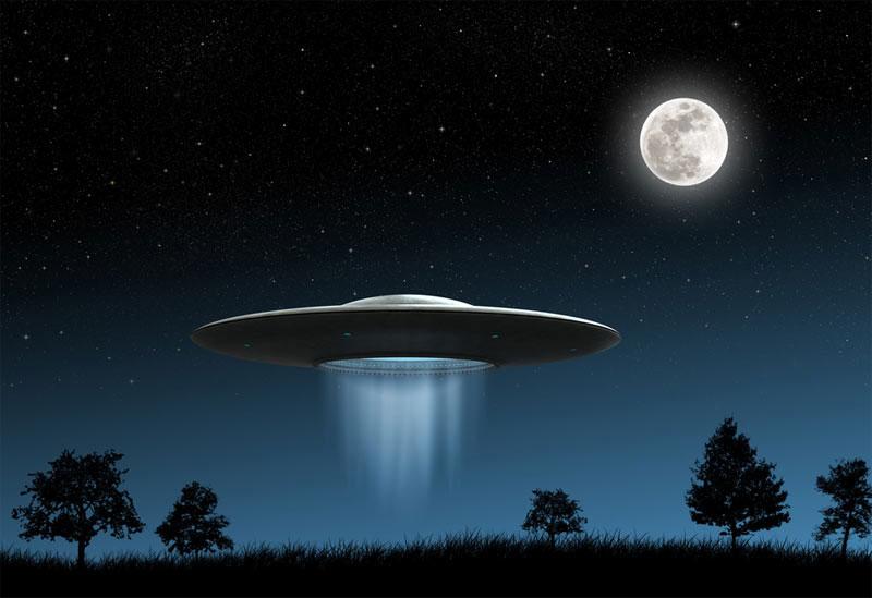 Nhiều người có niềm tin vào sự tồn tại của UFO.