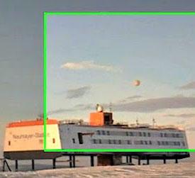 Video: UFO bất ngờ xuất hiện ở Nam Cực?