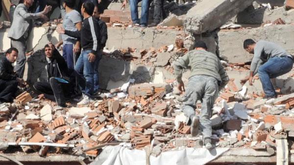 Iran tiếp tục hứng chịu dư chấn mạnh 5,3 độ Richter