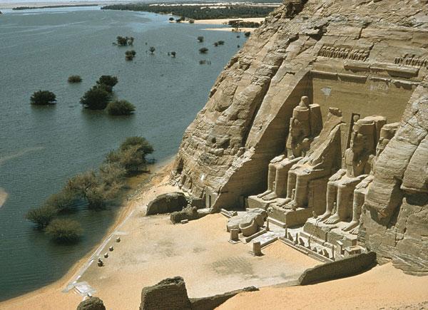 Đền thờ Abu Simbel được xây dựng sau một trận siêu hạn hán đã được ghi nhận trong tài liệu địa chất