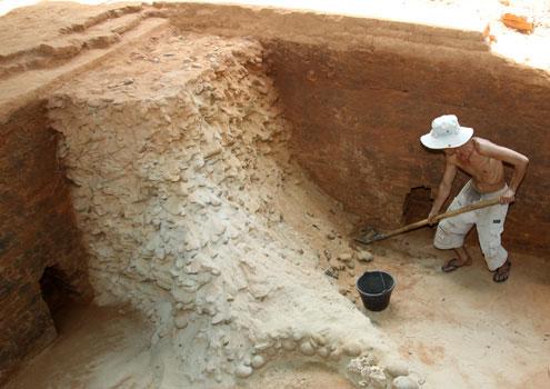 Dấu tích tháp Chăm cổ lớn nhất được phát hiện