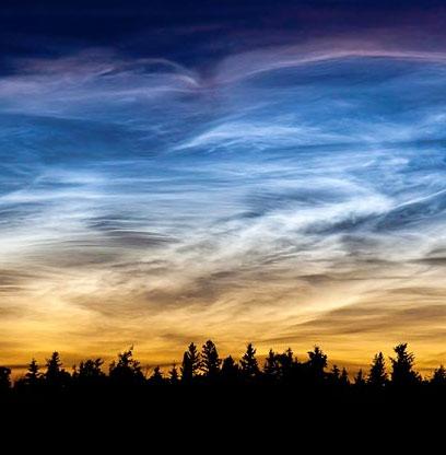 Sao băng có thể tạo nên mây phát sáng