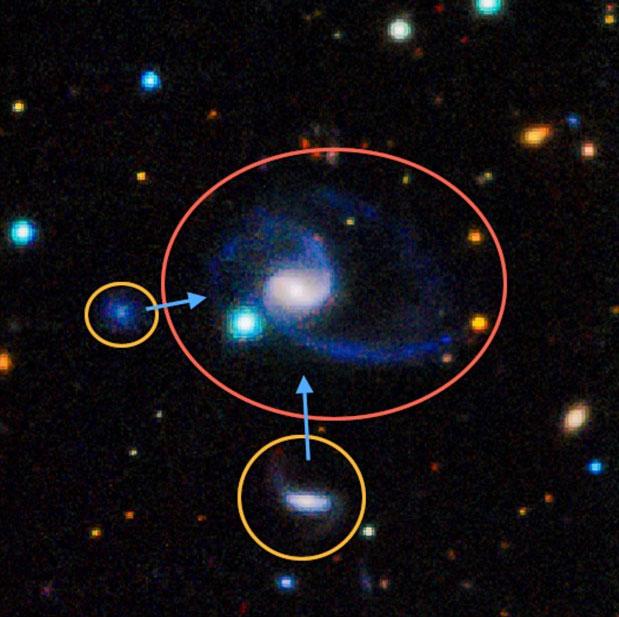 Phát hiện 2 bản sao y hệt dải Ngân hà