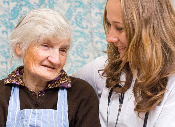 Các nhà nghiên cứu cho rằng hooc môn giới tính khiến phụ nữ có nguy cơ mắc bệnh Alzheimer gấp đôi so với nam giới.