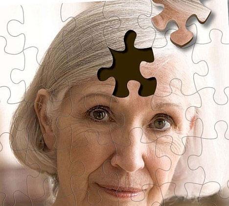 Phụ nữ dễ mắc bệnh Alzheimer gấp đôi đàn ông
