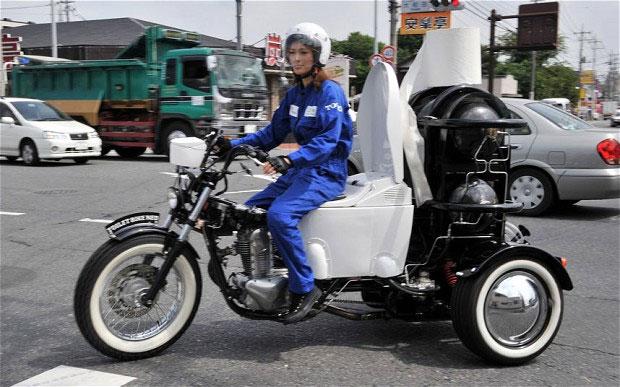 Xe máy chạy bằng chất thải động vật