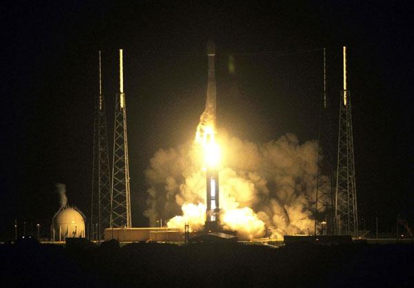 NASA phóng hai vệ tinh để thăm dò vành đai bức xạ