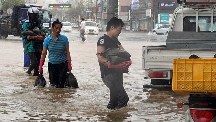 Bão Tembin đổ bộ vào Hàn Quốc gây nhiều thiệt hại
