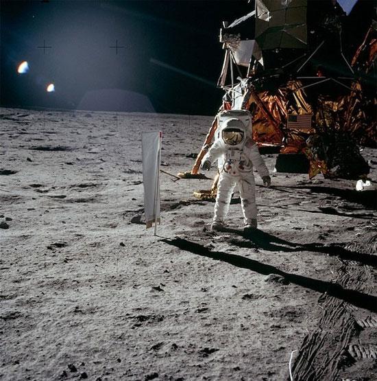 Hình ảnh sống động của các phi hành gia ngoài không gian