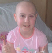 Bé gái duy nhất trên thế giới mắc 2 bệnh bạch cầu