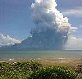 Indonesia: Núi lửa phun trào, 6 người chết