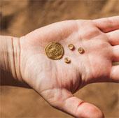 Tìm thấy kho báu trong hố rác cổ đại