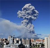 Núi lửa Sakurajima ở miền Nam Nhật Bản phun trào