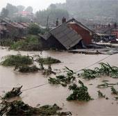 Lũ lụt hoành hành khắp Trung Quốc, 105 người chết