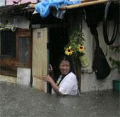 Philippines: Mưa bão gây ngập nửa thủ đô Manila
