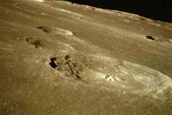 Mặt trăng chứa nước từ khi hình thành
