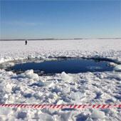 Nga trục vớt khối thiên thạch từ đáy hồ Chebarkul