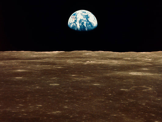 Huyền thoại bức ảnh Trái đất đầu tiên