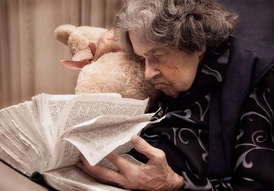 Hoạt động trí não nhiều giúp ngăn bệnh Alzheimer