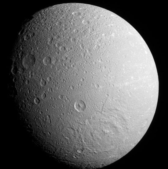 Vệ tinh của sao Thổ có không khí