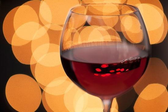Một chút rượu vang mỗi ngày, thêm khỏe mạnh khi già
