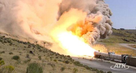 Động cơ tên lửa nhiên liệu rắn lớn nhất thế giới