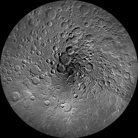Ảnh đẹp tuần qua: Cực Bắc của mặt trăng