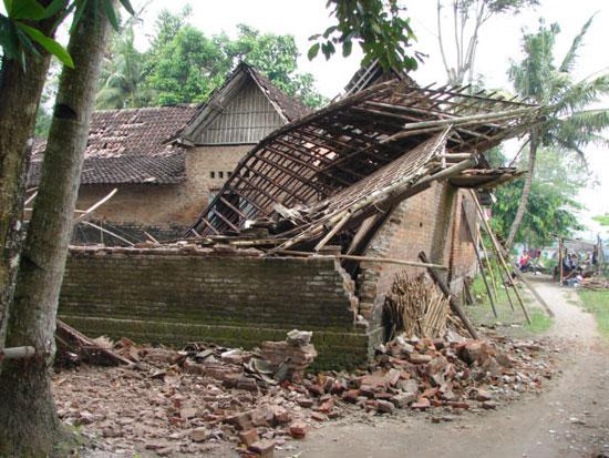 Động đất tại Papua New Guinea và Indonesia