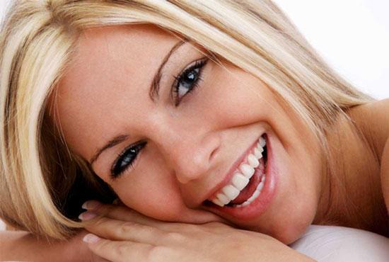 Một nụ cười bằng mười thang thuốc giảm đau.