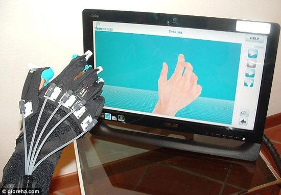 Găng tay robot giúp phục hồi chức năng