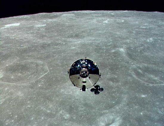 Nhà thiên văn phát động cuộc tìm phi thuyền Apollo 10