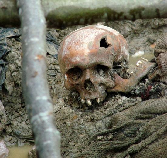 Hé lộ mới từ những mảnh xương nạn nhân vụ diệt chủng Bosnia