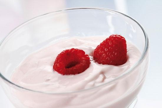 Mẹ bầu ăn sữa chua ít béo, con dễ bị hen suyễn